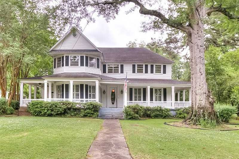 Buying An Old House What To Look For Before You Buy It